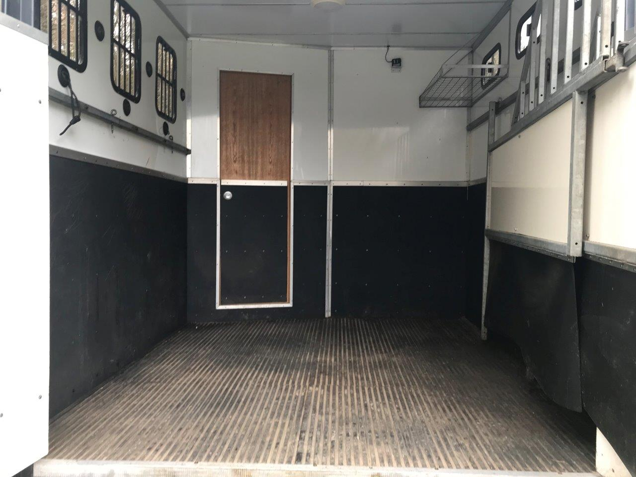 Pre-Owned IVECO 7500kg Horsebox